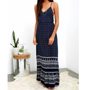 Lulus blue and white paisley print maxi dress